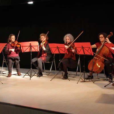 Ensemble Clásicos Tropicales y el grupo Caoba acercaron a Cuéllar la música cubana de salón