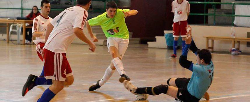 El FS Cuéllar cayó derrotado ante en casa un serio Pizarras Tres Cuñados