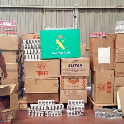 La Guardia Civil de Segovia decomisa 18.000 cajetillas de tabaco en Cuéllar y detiene a dos personas