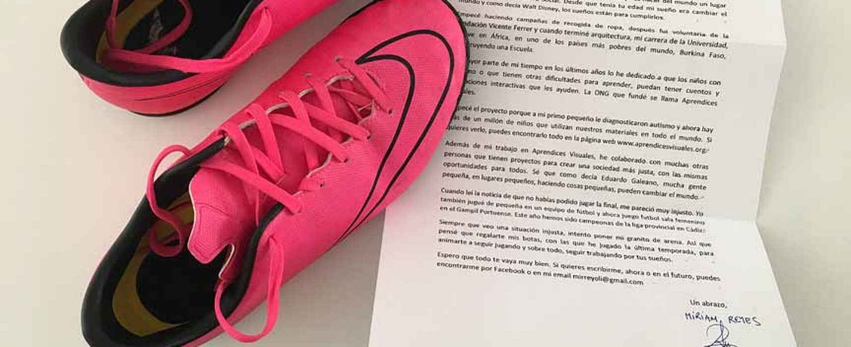 Unas botas de fútbol para Marta