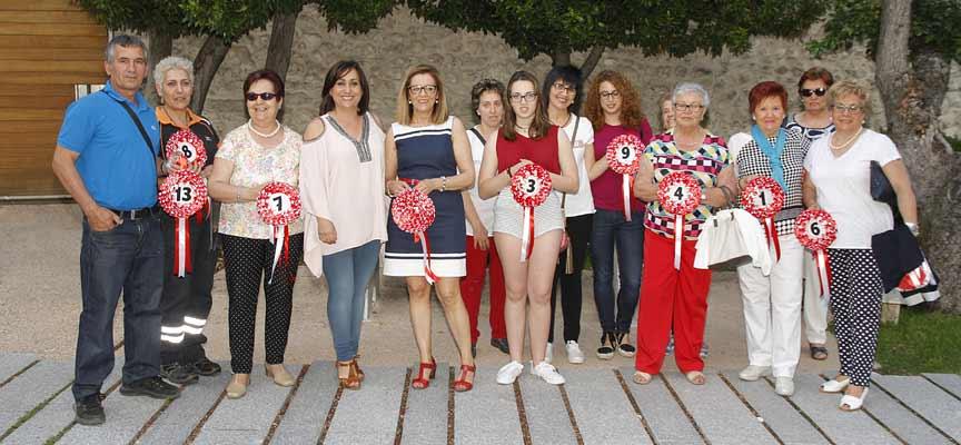 Participantes en el concurso junto a las concejalas de Turismo y Medio Ambiente