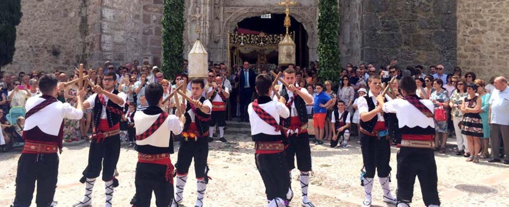 La Octava del Corpus de Fuentepelayo estrena su declaración como Manifestación de Interés Cultural Provincial