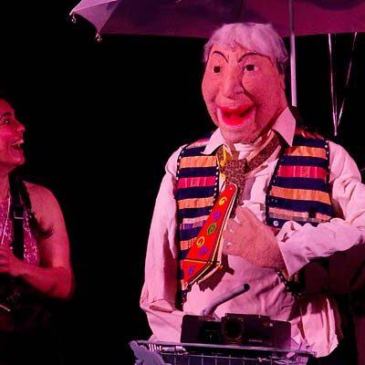 Maricastaña Teatro representa `Aquí como en la Gloria´ en la iglesia de San Francisco