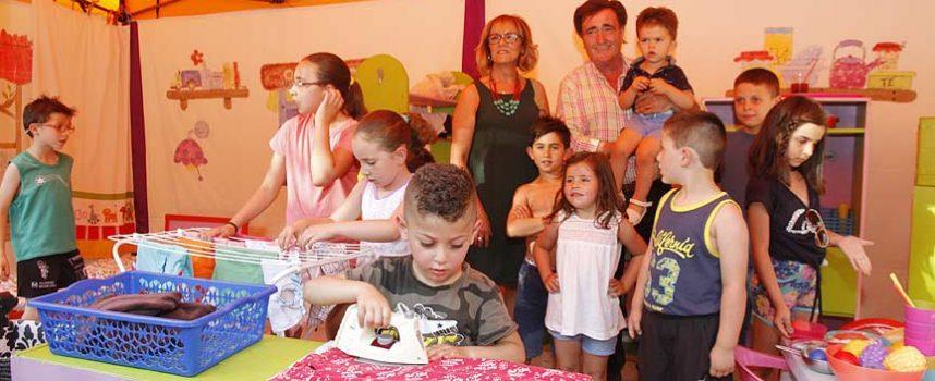 El Poblado de la Igualdad enseña valores a los más pequeños a través del juego