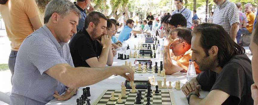 Enrique Tejedor, vencedor del V Torneo de Ajedrez `Villa de Cuéllar´