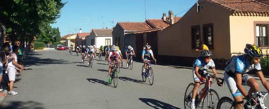 El V Trofeo Ciclista Jorge Ruano recorre hoy las calles de Fuenterrebollo y pueblos aledaños