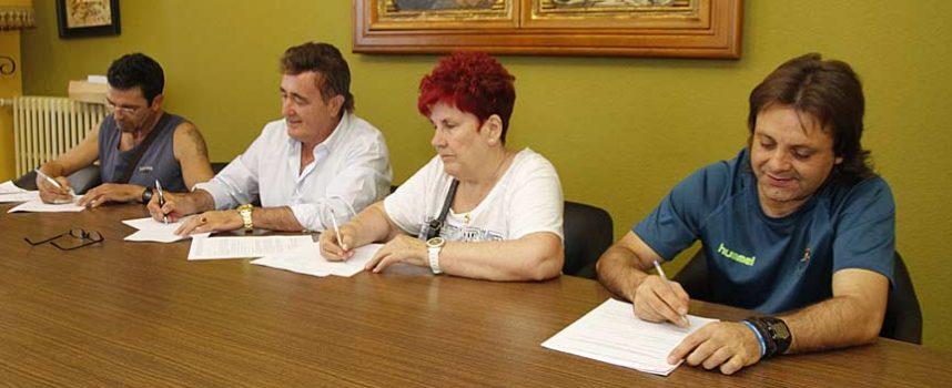 El Ayuntamiento renueva el contrato de suministro de energía generada por biomasa con tres comunidades de vecinos