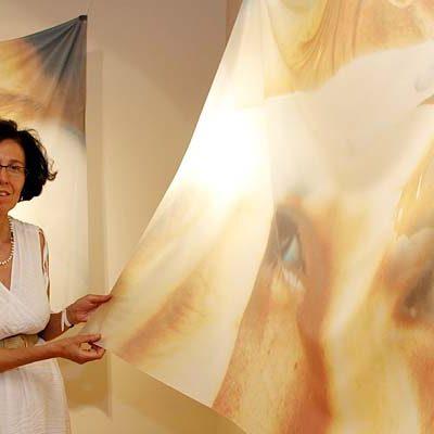 Mª José Gómez reflexiona sobre la fugacidad de la existencia humana en su exposición en Tenerías