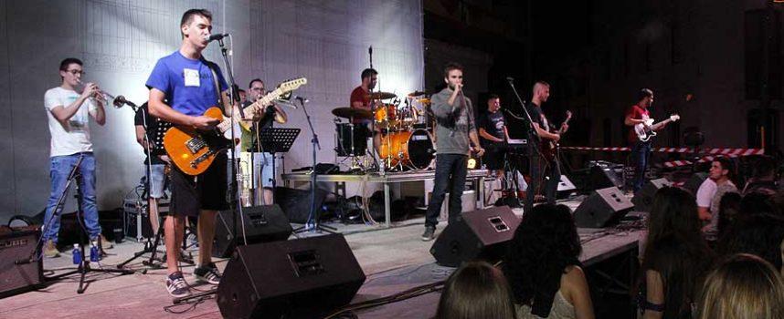 La Banda Olivetti saca a la luz su primer videoclip con el tema `Alcen la voz´