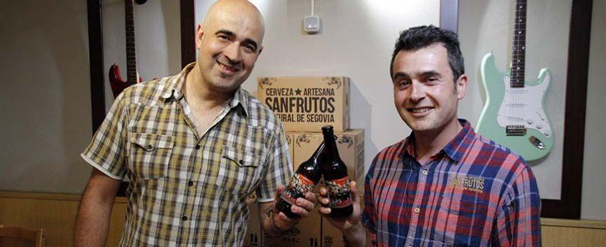 Cervezas Sanfrutos embotella una edición limitada de su cerveza especial dedicada a los encierros de Cuéllar