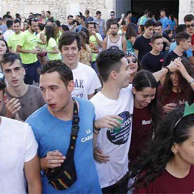 Las peñas fueron las protagonistas del inicio de las fiestas de Santo Domingo de Guzmán en Campaspero