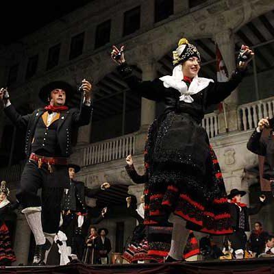 El Festival Nacional de Jota enmarcará el sábado la presentación oficial de la corregidora y damas de las fiestas
