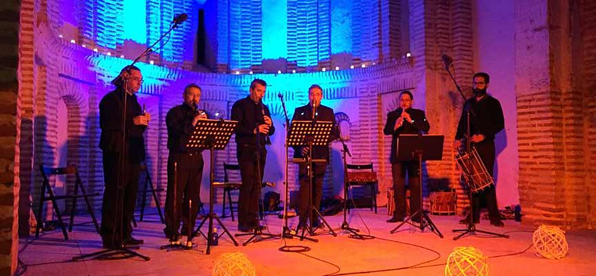 Un momento del concierto de los Ministriles de Cuéllar en el Ábside de Santiago.
