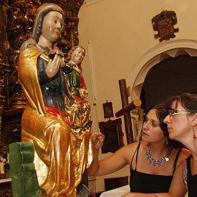 La virgen del Rosario recupera sus colores originales