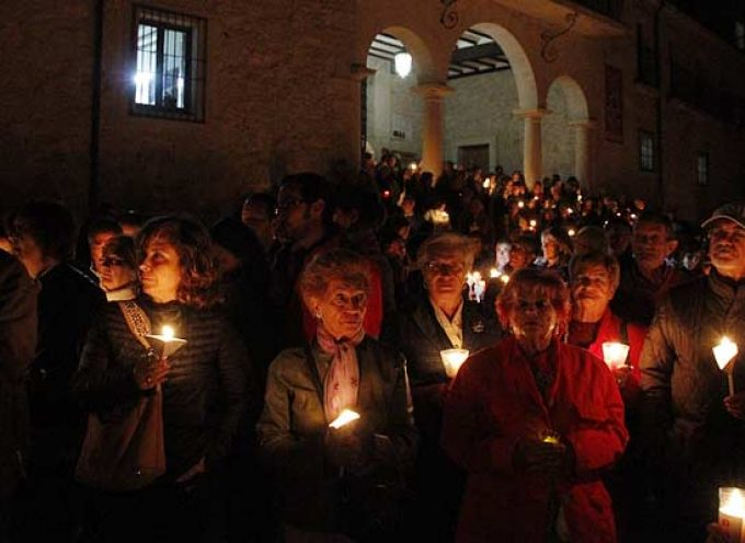 El Rosario de Antorchas iluminará la pradera de El Henar en la jornada previa a la Romería popular