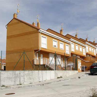 """El PSOE reclamó una actuación """"eficaz y rápida"""" para dar solución a las viviendas ocupadas en Fuente la Bola"""