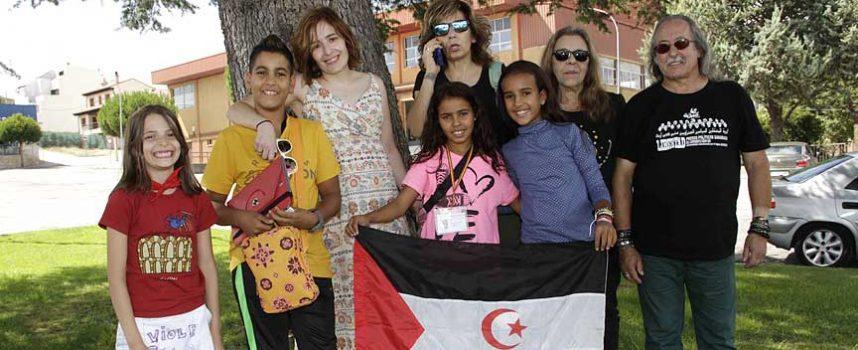 Los niños saharauis dejan la comarca para regresar a los campamentos del Sáhara