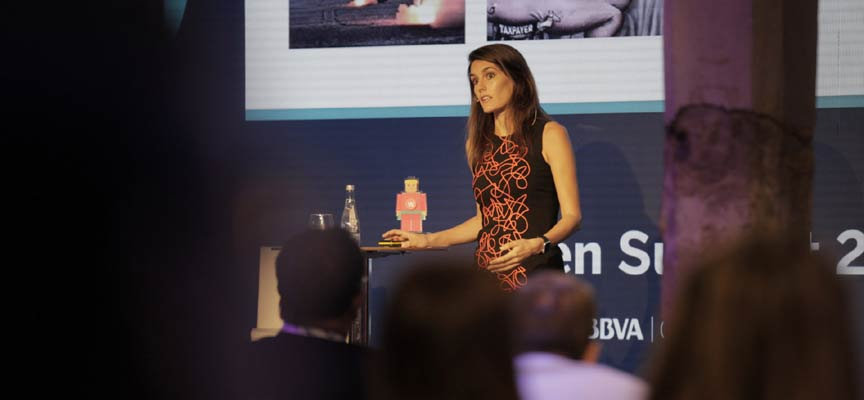 Rebeca Minguela durante la entrega de premios en Open Summit en Madrid.