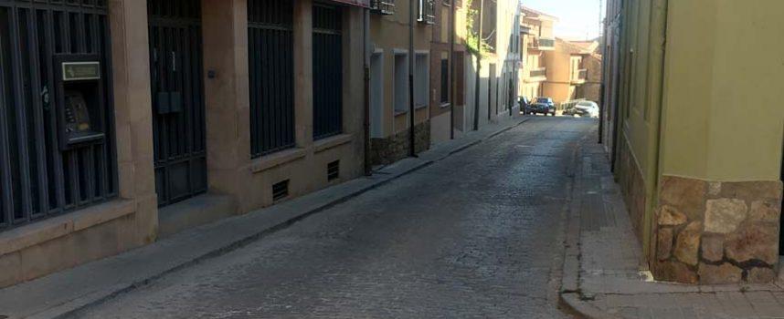 El PSOE de Carbonero contrario al asfaltado de la calle Real