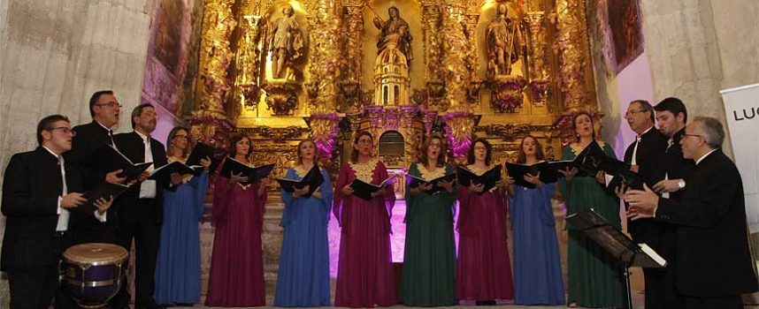El coro Elí Hoshaná completó el aforo de la capilla de La Magdalena con sus sones sefardíes
