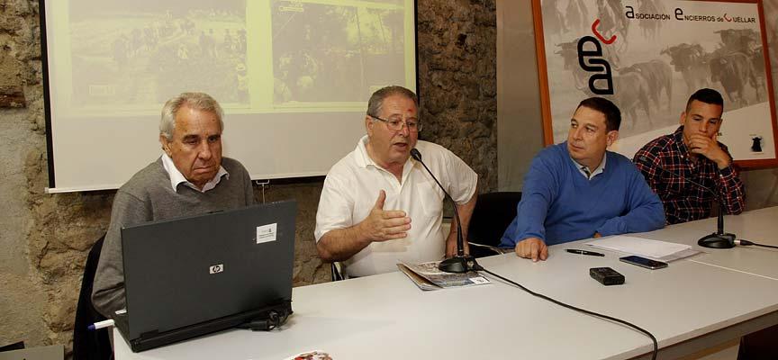 Rafael de las Heras, Mariano González, Pablo Quevedo y Jesús A. Hernansanz en el acto de presentación.