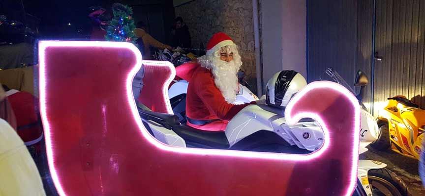 Papa Noël durante la cabalgata Motera de 2016.