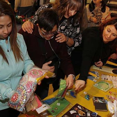 Apadefim abre su exposición navideña de artesanía en el Palacio de Pedro I