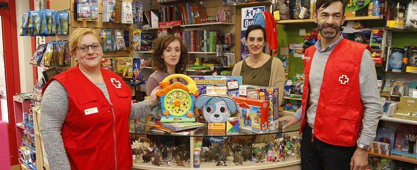 El País de Jauja dona juguetes para la campaña de Cruz Roja Juventud