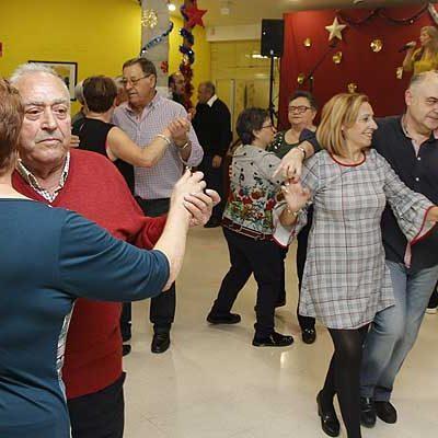 Canto Coral y baile para celebrar la Navidad en el Centro de Día