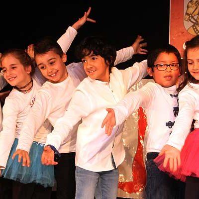 Diversión y mucho ritmo en la Navidad de los colegios cuellaranos