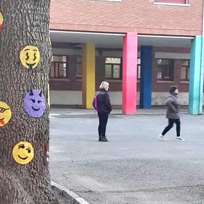 El patio del colegio Santa Clara se llena de emociones