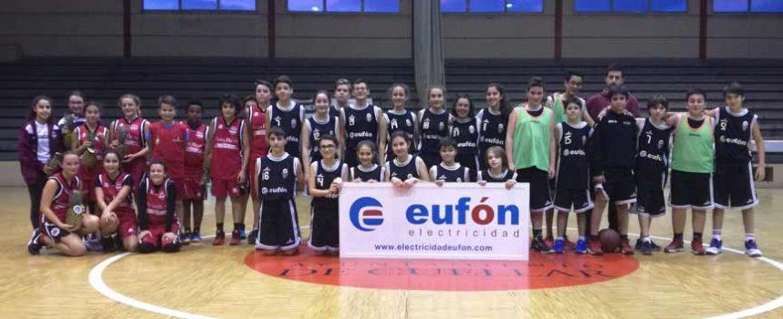 Cita navideña con el baloncesto en el `Torneo de la Piña´