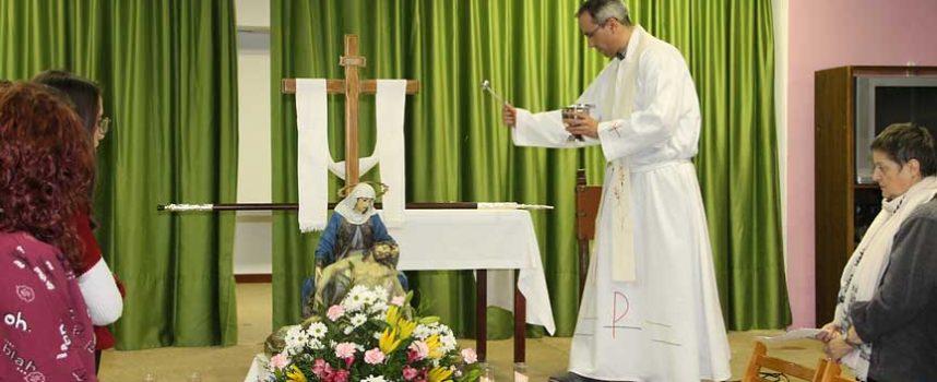 El fuerte viento lleva a suspender la procesión de Nuestra Señora de la Compasión