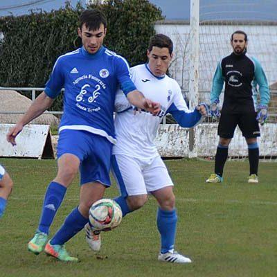El Cuéllar sabe esperar su momento y vence al Mozoncillo (2-0)