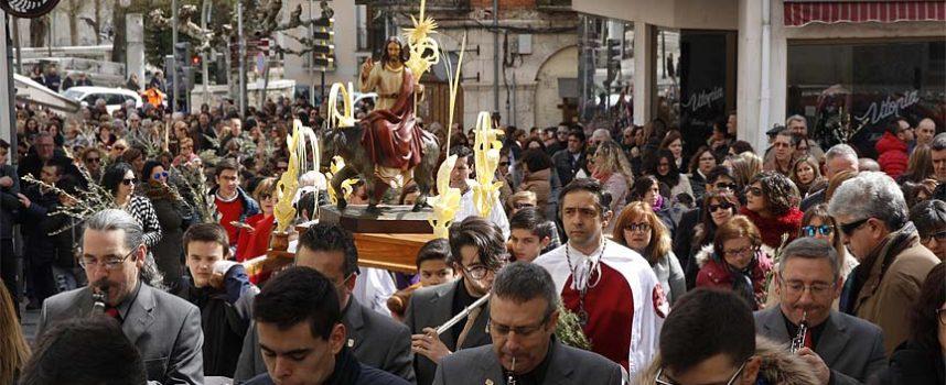 La procesión de los Ramos marcó el inicio de la Semana Santa cuellarana