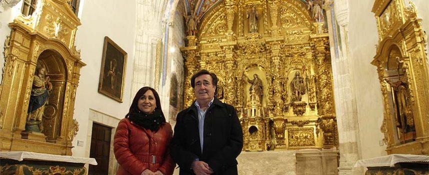 La capilla de La Magdalena reabre sus puertas tras las tareas de limpieza y renovación de su iluminación.