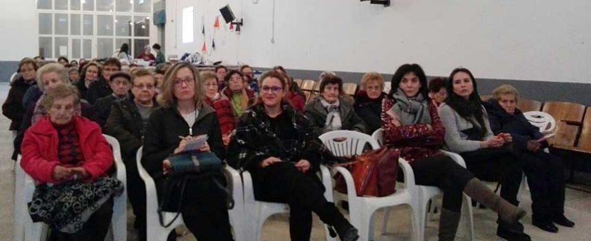 Más de un centenar de mujeres abordaron el presente y futuro de la mujer rural en Olombrada