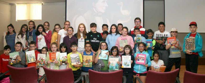 La biblioteca acercó a los escolares la figura de Hans Christian Andersen