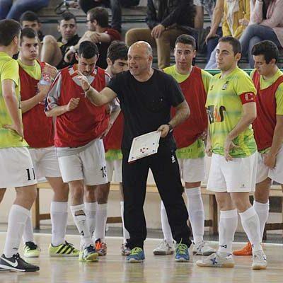 El FS Cuéllar juega en Pontevedra su último partido de la temporada