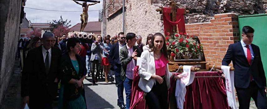 Danzas en honor a la Santa Cruz en Zarzuela del Pinar