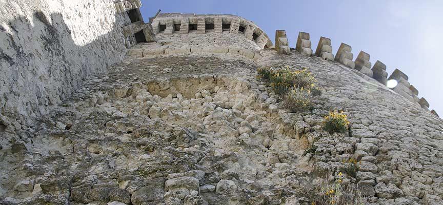 fachada-castillo-cuellar