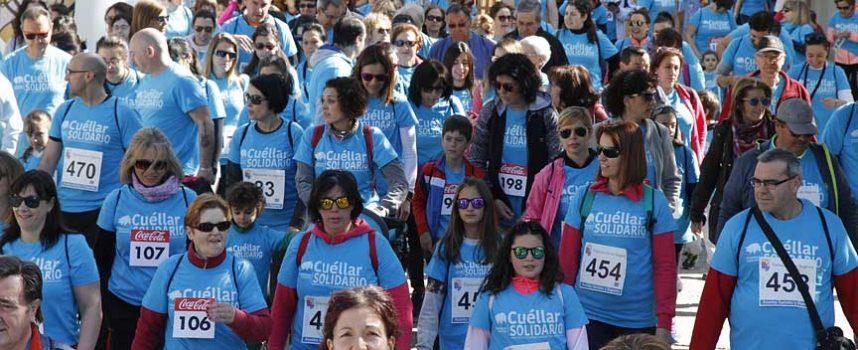 Más de 250 personas abren con una marcha las actividades de Cuéllar Solidario