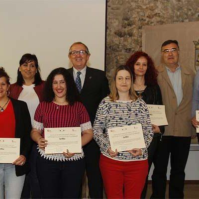 Villa y Tierra clausura su programa mixto de atención a personas dependientes con seis nuevas alumnas diplomadas