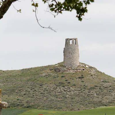 La Comisión de Patrimonio autoriza la restauración de la torre de Santa María en Lovingos