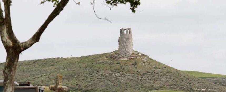 Patrimonio aprueba la memoria del estudio arqueológico de las tumbas situadas junto al Torreón de Santa María en Lovingos