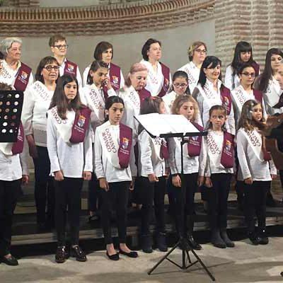 La iglesia de San Martín acogió el festival de clausura de las Aulas para Convivir Cantando