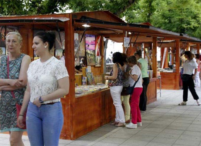 Charo Vergaz abrió la Feria del Libro de Cuéllar ensalzando la labor de los libreros