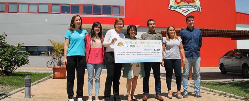 La AECC recibe 3.129 euros de la recaudación de la Carrera y Marcha solidaria de El Campo