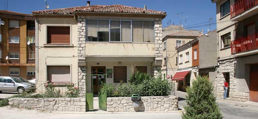 Casa del Secretario-Villa y Tierra-Comunidad