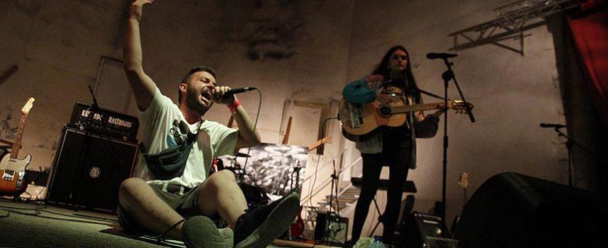 Arte, música y conferencias para concienciar de la problemática del rio Cega